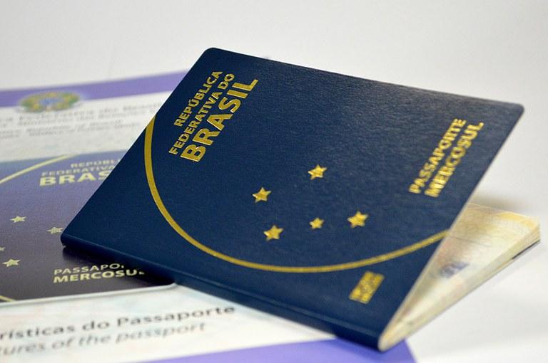 Brasileiros não precisam mais de vistos para o Canadá? Entenda melhor.